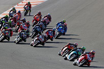 """Ensi kesänä Suomeen saapuva ratamoottoripyöräilyn MotoGP-sarja on tarjonnut tänä vuonna sellaista kilvanajoa, josta F1-fanit voivat vain haaveilla: """"Hyvin erilainen kausi, mihin on totuttu"""""""