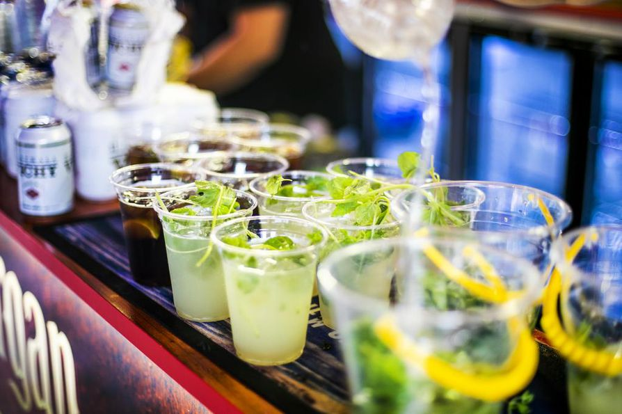 Cocktailit ja erikoisoluet kuuluvat nykyään festivaalien perusvalikoimaan. Myös alkoholittomien cocktailien suosio kasvaa koko ajan.