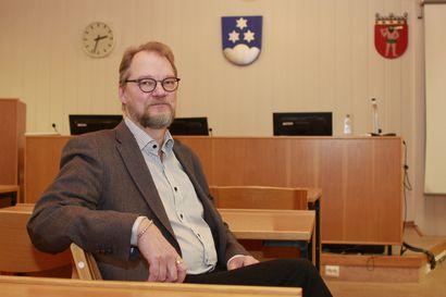Pellon valtuusto jatkaa Mäkituomaan komennossa – varapuheenjohtajia valittiin neljä