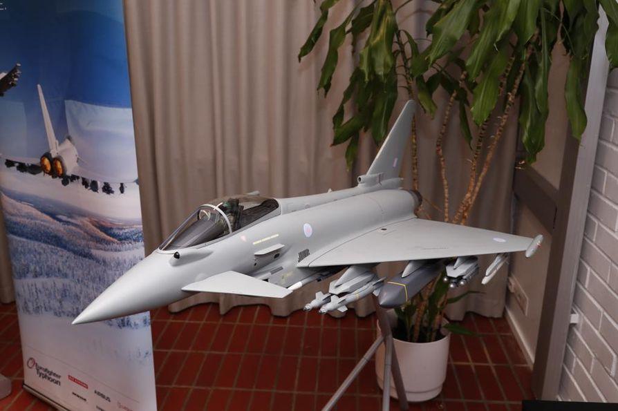 Brittiläiset Eurofighter-hävittäjät aloittavat lähes kaksi kuukautta kestävän hävittäjäkandidaattien testijakson.