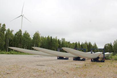 Tuulivoimaloiden siipien kierrätystä kehitetään–Tuuliwatti uusii Simon Leipiössä neljän voimalan siivet nykyaikaisempiin
