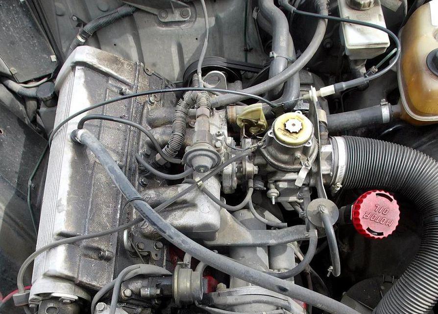 Väärennetyksi epäiltyä moottoriöljyä on myyty kuluttajille ympäri Suomea.