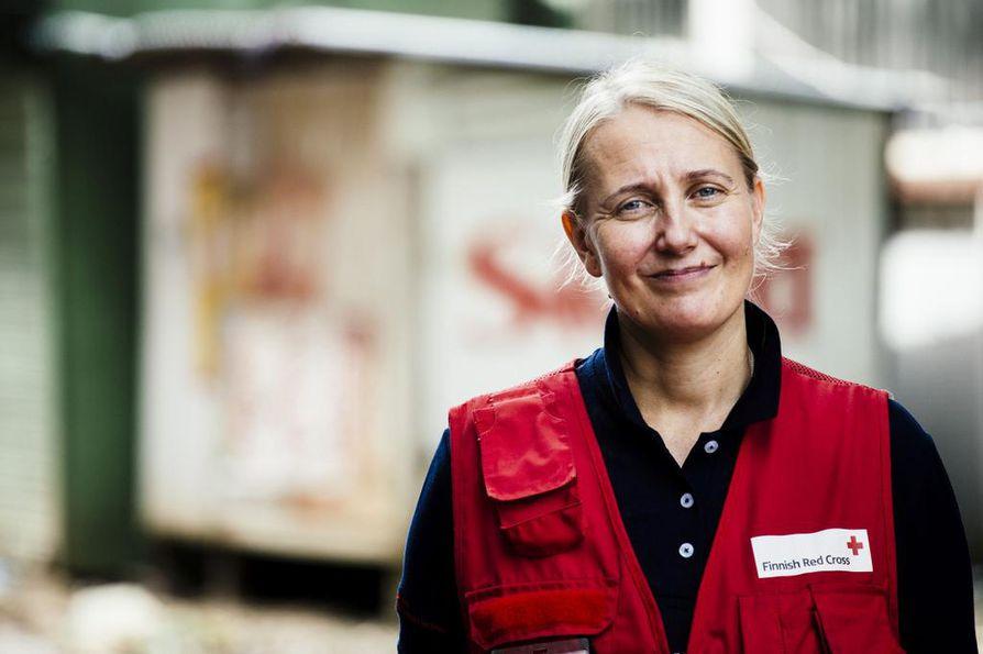 Tänään maanantaina 19.8. on kansainvälinen humanitaarisen avun päivä. Suomen Punaisen Ristin kansainvälisen katastrofiavun päällikkö Tiina Saarikoski korostaa naisten osallistamisen tärkeyttä avustustyössä.