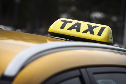 Yle: Kela kilpailutti väärin taksimatkat – markkinaoikeus antoi 600000 euron uhkasakon ja määräsi kilpailuttamaan taksimatkat uudelleen