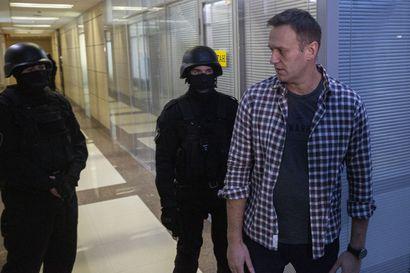 Teehen sekoitetulla myrkyllä on tapettu Venäjällä aiemminkin – Oppositiojohtaja Aleksei Navalnyi makaa koomassa siperialaisessa sairaalassa