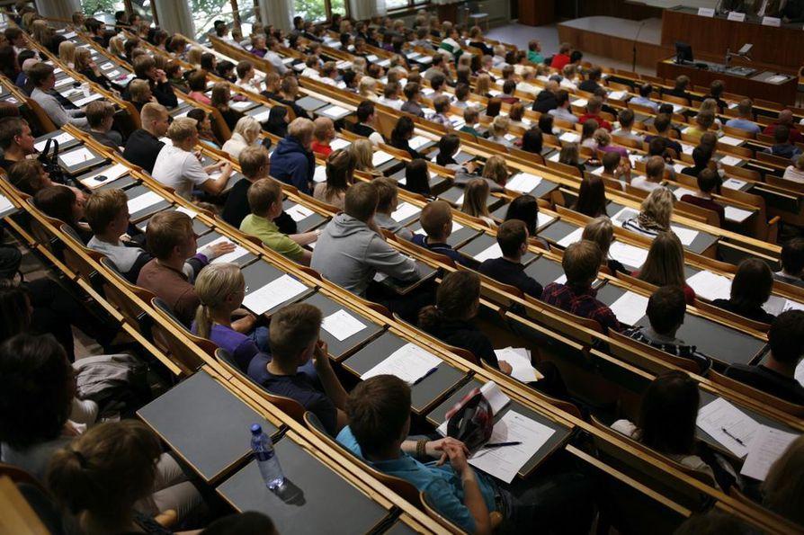 Tietyt alat ovat Suomessa erittäin suosittuja ja niitä on vaikea päästä opiskelemaan.