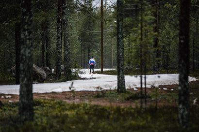Kuukauden päästä pääsee hiihtämään – Oukun säilölumilatu avataan 24. lokakuuta