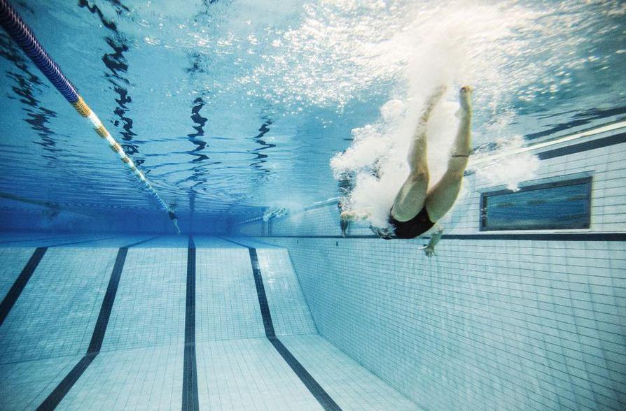 Kasteita on toimitettu harvakseltaan uimahallin normaaleina aukioloaikoina. Kuvituskuva.