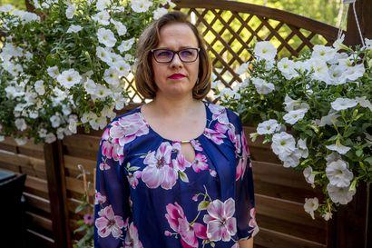 Nelikymppinen äiti Sanna-Liisi Kaski menetti aviomiehensä yllättäen – Kelalta tuli tyrmäävä päätös