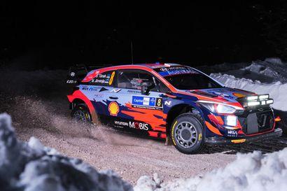 Ott Tänak johti Hyundain iskua Rovaniemen MM-rallissa - Ilman Kalle Rovanperän panosta Toyotan tilanne näyttäisi huolestuttavalta