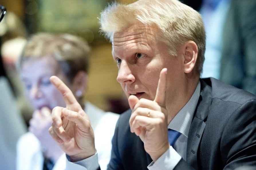 Maatalous-ja ympäristöministeri Kimmo Tiilikainen sai Espoossa 0,2 prosentin viipaleen äänikakusta.
