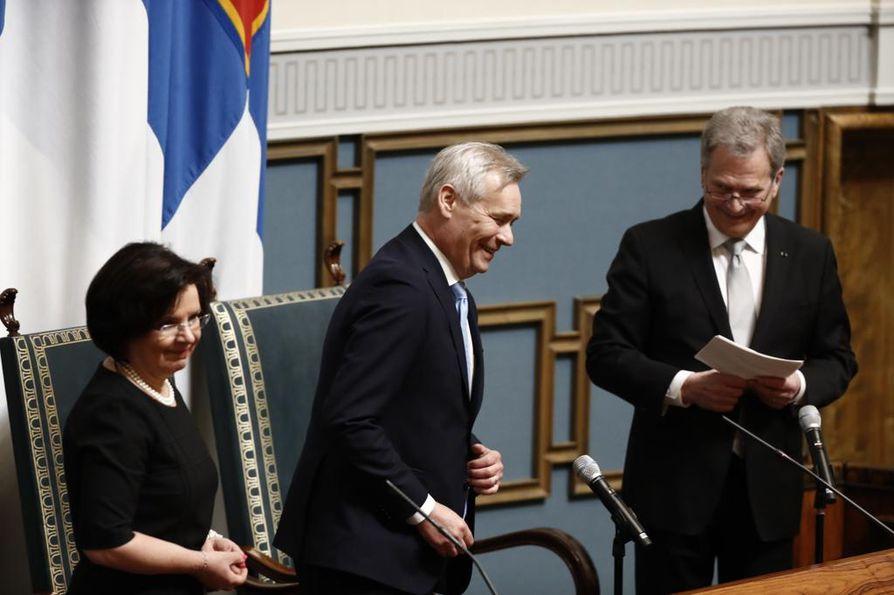 Tasavallan presidentti Sauli Niinistö avasi valtiopäivät. Presidentin vierellä puhemies Antti Rinne ja eduskunnan pääsihteeri Maija-Leena Paavola.