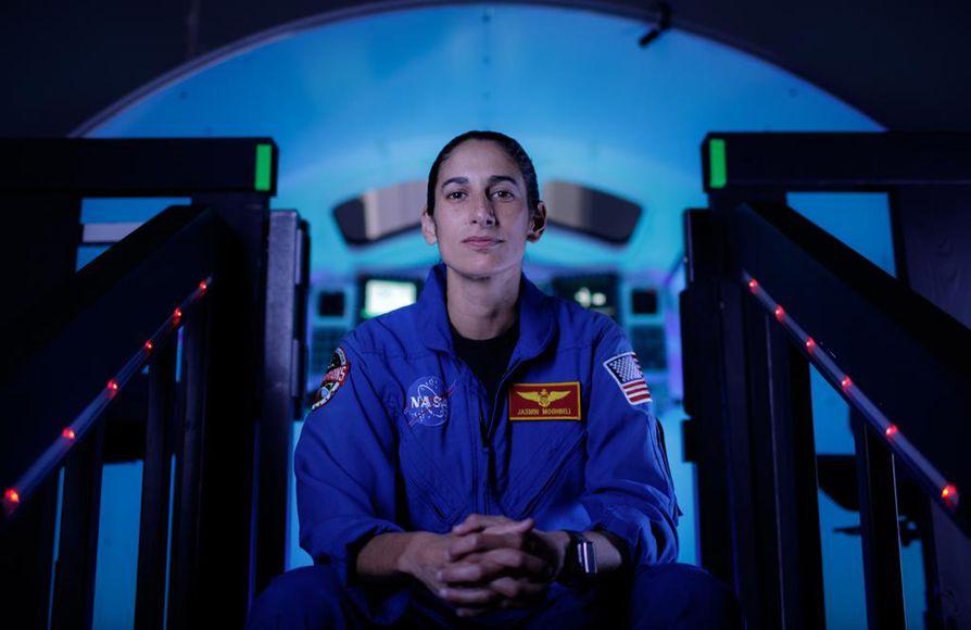Perjantaina valmistuneesta Jasmin Moghbelista tuli ensimmäinen iranilais-yhdysvaltalainen astronautti.