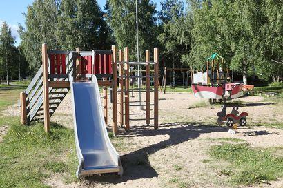 Pissaa ja kakkaa liukumäessä - leikkipuistot ilkivallan kohteena Raahessa