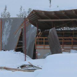 Varastohalli romahti Ivalossa
