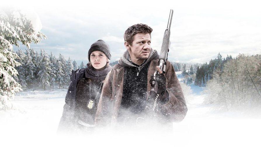 Jane Banner (Elizabeth Olsen) ja Cory Lambert (Jeremy Renner) tutkivat Wind River-rikosdraamassa naisen murhatapausta lumisissa maisemissa.