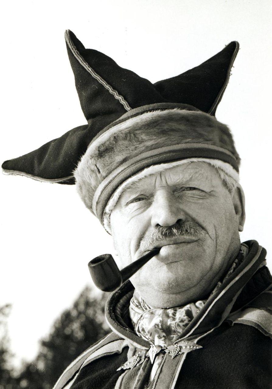 Aatelismies ja maailman pohjoisimman ruusutarhan isäntä Paavo von Pandy asui viisi vuosikymmentä Inarijärven rannalla.
