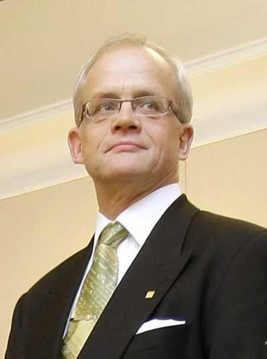 Raha-automaattiyhdistyksen hallituksen entinen puheenjohtaja Jukka Vihriälä.