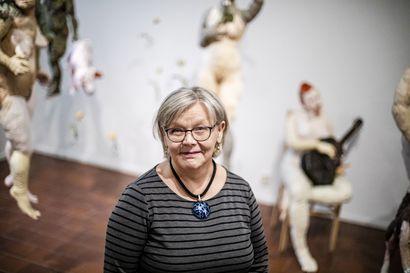 Elämän iloisia asioita on rakkaus taiteeseen – Hilkka Liikkanen jättää hyvästi Rovaniemen taidemuseolle