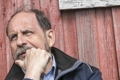 Oulun seudun ja merellisen kulttuurin kuvaaja, kirjailija Joni Skiftesvik sai Suomen Kirjailijaliiton 10000 euron arvoisen tunnustuspalkinnon