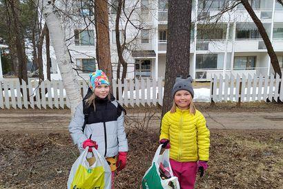 """Lapset keräävät roskia ja näyttävät mallia Rovaniemellä: """"Jo yksi kerta parantaa mailmaa"""""""