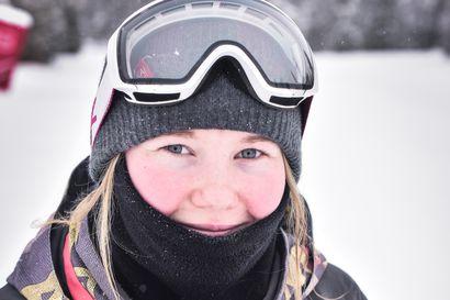 Lumilautailijoiden tiukka kisarypistys ennen MM-kisoja alkaa Kreischbergin slopestylellä–Kuusamolainen Emmi Parkkisenniemi kisaa ensi kerran maailmancupin slopestylessä Seiseralmissa