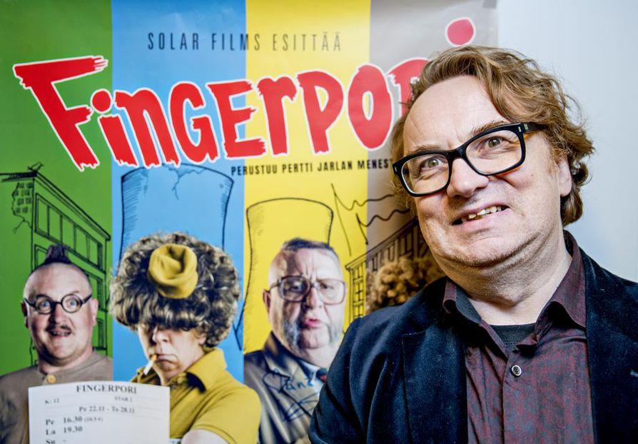 Sarjakuvapiirtäjä Pertti Jarla on piirtänyt yli 3¿000 strippiä Fingerporista.