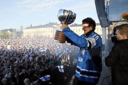 """Kärpissä maineeseen noussut maailmanmestari Janne Pesonen, 38, lopettaa jääkiekkouransa: """"Toivottavasti olen voinut olla esimerkki, että mistä tahansa lähtökohdista on mahdollisuus ihan mihin vain"""""""