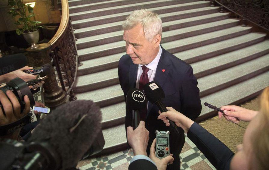 Hallituksen muodostaja Antti Rinne sanoi uskovansa, että sote-ratkaisu kelpaa myös teho-osaston hoitajille.