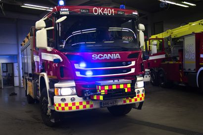 Navetta paloi Kuusamossa, ukkonen jätti jälkeensä metsäpaloja ja teillä retkottaneita puita
