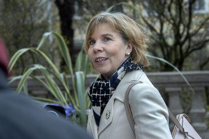 Oikeusministeri Henriksson sanoo HS:ssa yllättyneensä Kiurun esittämistä pakkokaranteeneista