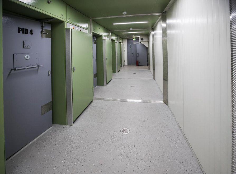 Oulun poliisilaitoksen moduuliputkat nousivat Haukiputaalle viime kesänä.