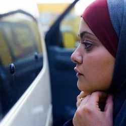 Nuoret palestiinalaisnaiset ovat kahden muurin välissä keskiviikkoillan esikoiselokuvassa