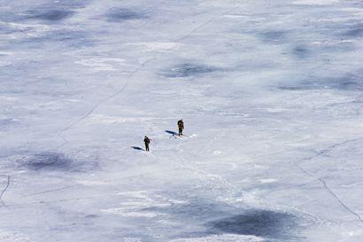 Aurinko houkuttelee heikoille kevätjäille, maaliskuussa hukkui neljä ihmistä – katso vinkit turvalliseen jäällä liikkumiseen