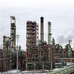 UPM suunnittelee suurta biopolttoainetehdasta Kotkaan – Kaidin tunnelissa ei näy valoa Kemissä
