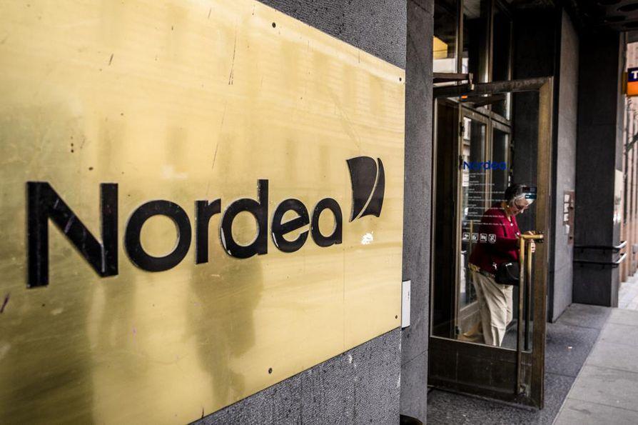 Nordea kertoo ehtineensä jo kirjata myöhästyneet maksut asiakkaidensa tilille.