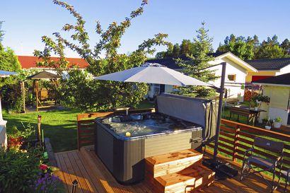 Ulkoporeallas luo ylellistä spa-tunnelmaa omalle pihalle, terassille tai mökille