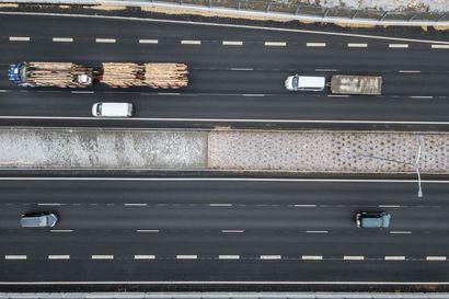 Uusi tieliikennelaki rukkaa tienkäyttäjien elämää kesäkuun alusta alkaen – tässä tärkeimmät muutokset