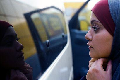 Päivän leffapoiminnat: Palestiinan rohkeat nykynaiset pyristelevät uuden ja vanhan maailman välissä