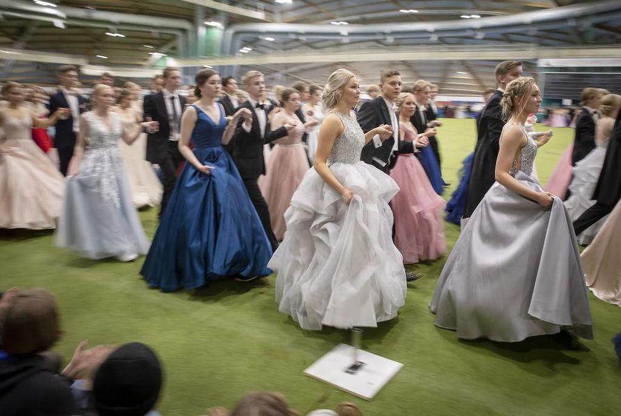 Ouluhallissa oli mukana tänä vuonna lähes 1000 tanssijaa.
