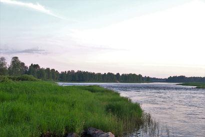 """Pudasjärvellä koettiin tuhotulvia 90 vuotta sitten: """"I.Polojärven jokitörmällä ollut pyykkipatakin joutui veden varaan"""""""