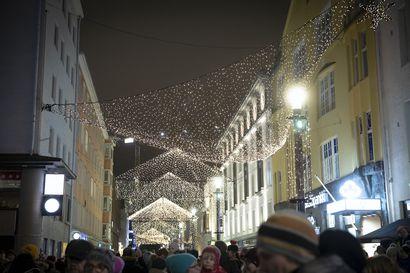 Lapista kuuluu hätähuutoja, mutta Vuokatissa ja Rukalla jatkuu hyvä vire –Oulu haluaa nostaa päätään joulukaupunkina