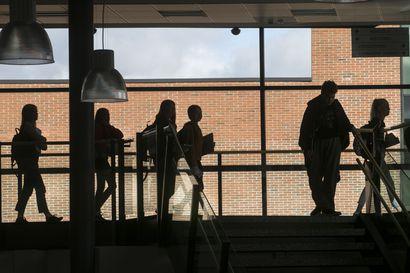 Maikkulan yläkoulussa todettu koronatartunta, kolme luokkaa karanteeniin – yläkoulu pitää perjantaina etäpäivän