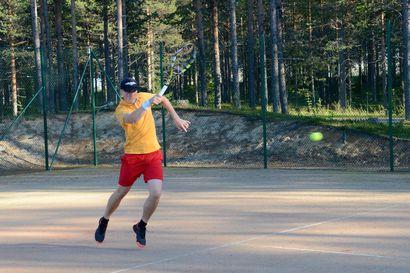 Iinattijärvelle haussa 50000 euron tenniskenttä – kaupunginhallitus miettii investointiavustusten periaatteita