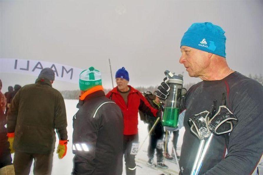 Teijo Iinatti näytti hiihdon kulkevan, tuloksena voitto yksilösarjassa.