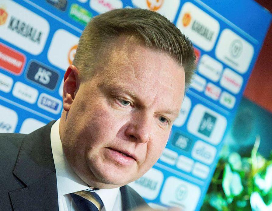 – Liiga ei ole yksiselitteisesti suljettu sarja. Karsintoja ei pelata, mutta Liigaan voi nousta hakemusmenettelyn kautta, Jääkiekkoliiton puheenjohtaja Harri Nummela sanoo. Arkistokuva.