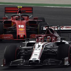 Kimi Räikkönen ohitti kymmenen autoa muutaman kilometrin aikana – onko tässä kaikkien aikojen paras F1-kierros?