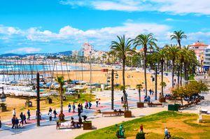 costa-dorada-sitges-strand_397825213-1