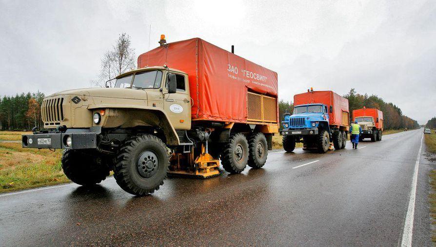 Kuva lokakuulta 2007 jolloin venäläinen, seismisiin mittauksiin erikoistunut Spetsgeofizika-yritys teki Geologian tutkimuskeskukselle tärinämittauksia Vihannissa. Arctic Mineralsin mukaan muun muassa nämä mittaukset ovat antaneet viitteitä siitä, että Lampinsaaren alueella on edelleen huomattavia malmivarantoja.