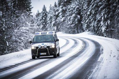 Poliisi antoi sakot dronen lennättäjälle, joka lennätti laitetta Rovaniemen MM-rallien lentokieltoalueelle – Poliisin mukaan MM-rallit ovat alkaneet rauhallisissa merkeissä